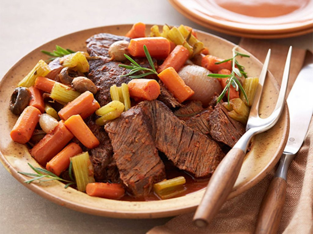 fn_tyler-florence-braised-pot-roast-vegetables_s4x3-jpg-rend-sniipadlarge